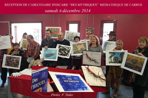 Une partie des artistes d'OSCARR présentant leur page de l'abécédaire